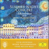 Summer Night Concert Schoenbrunn 2010 Moon Planet / Welser-Möst