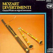 Mozart: Divertimenti / Classical Winds